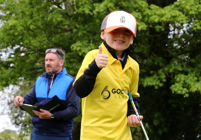 GolfSixes player thumbs up.jpg